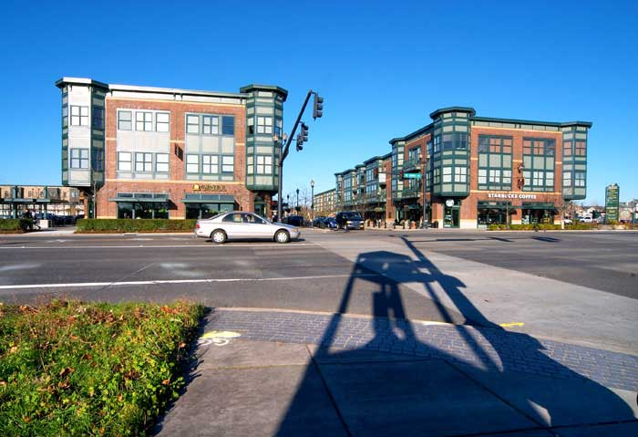 Orenco Station Retail. Courtesy of Portland Ground:Pictures of Portland Oregon